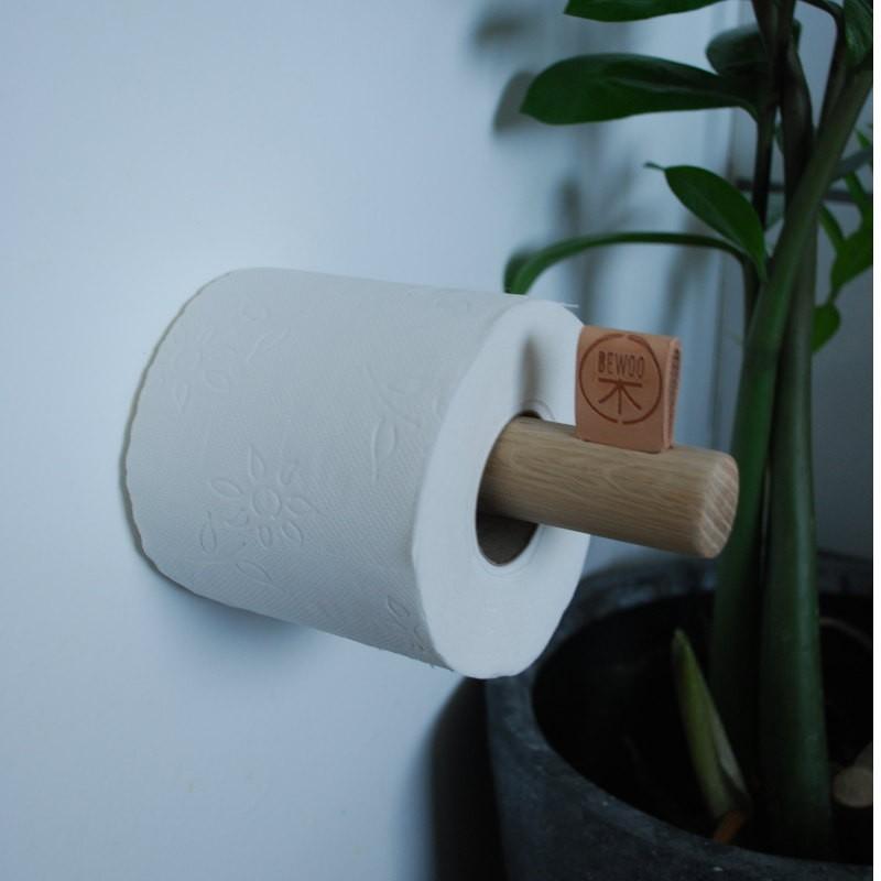 Storslåede Toiletrulleholder. Velgennemtænkt design. Stilfuld på ethvert toilet. SB18