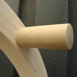 Cykelholder i aske træ med holdepind i egetræ