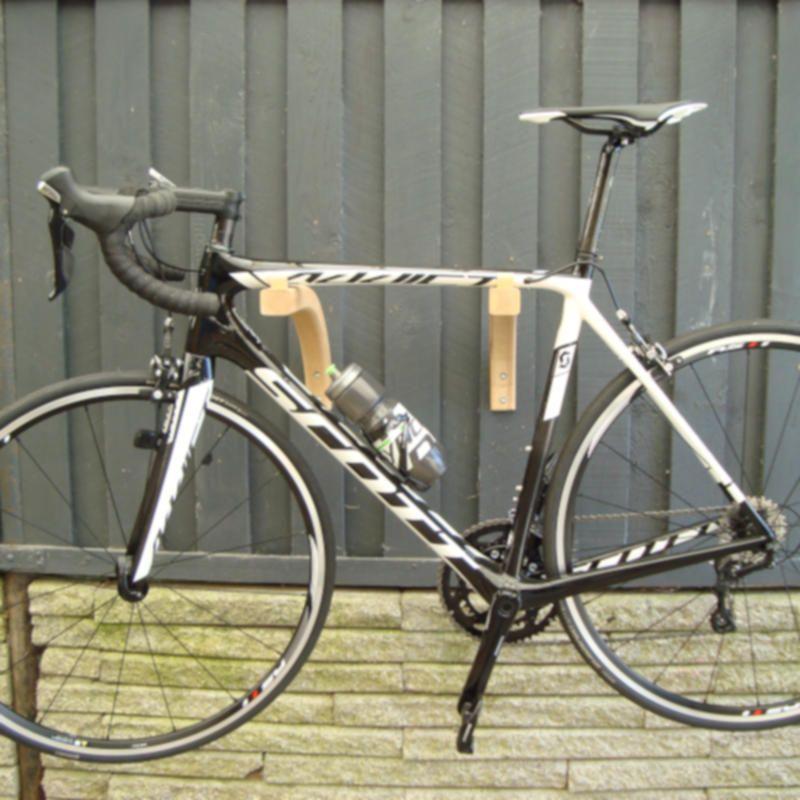 Cykelophæng i asketræ - stilfuldt design